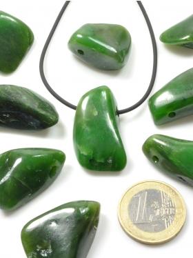 Jade Nephrit, Anhänger gebohrt