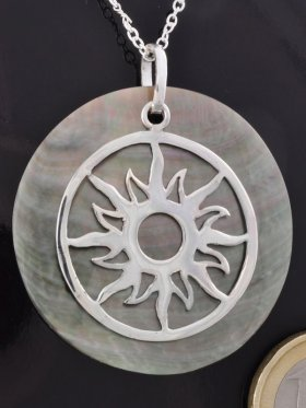 Symbol Sonne , 925 Silber, auf Perlmutt rainbow