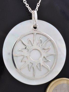 Symbol Sonne, 925 Silber, auf Perlmutt weiß