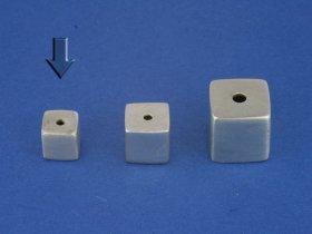 Superlight - Würfel satiniert, mittig gebohrt, 5 mm, VE 15 Stück