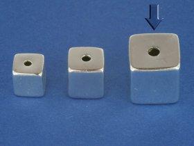 Superlight - Würfel poliert, mittig gebohrt, 8 mm, VE 5 Stück