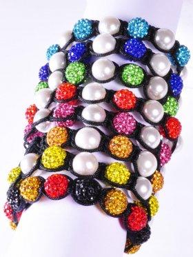 Muschelkernperle weiß und verschiedene Strass-Keramik-Perlen, Shamballa Armband mit verstellbarer Fallschirmschnur, 1 St.