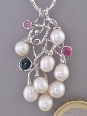 Perlen Anhänger mit Turmalinen, Flora Collection