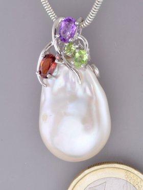Süßwasserperle, Anhänger mit Edelsteinen, Flora Collection