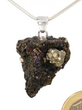 Lava aus Teneriffa mit montiertem Pyrit, Anhänger mit Silberöse, Unikat