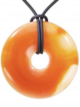 Sandstein Donut ø 40 mm mit schwarzem Lederband