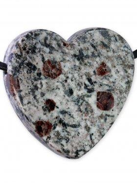 Granat und Hornblende aus dem Zillertal, Anhänger Herz gebohrt, Unikat