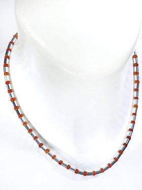 Halskette aus dem Schmuckstein Karneol kombiniert mit Silberröhrchen aus 925 Silber rhodiniert