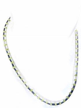 Halskette aus Peridotkugeln kombiniert mit Silberröhrchen aus 925 Silber rhodiniert