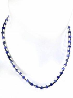 Halskette aus Sodalitkugeln kombiniert mit Silberröhrchen aus 925 Silber rhodiniert