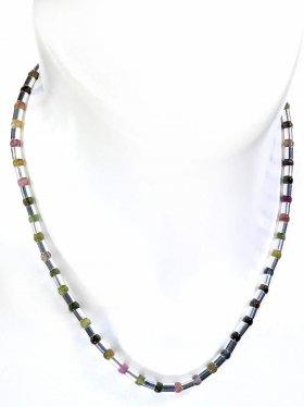 Halskette aus bunten Turmalinen kombiniert mit Silberröhrchen aus 925 Silber rhodiniert