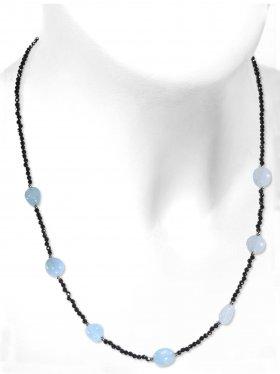 Steinkette aus den Schmucksteinen Spinell und Aquamarin, Verschluss 925 Silber rhodiniert