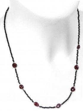 Steinkette aus den Schmucksteinen Spinell und Granat, Verschluss 925 Silber rhodiniert