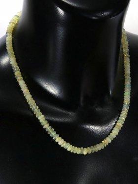 Edelopal Halskette, Linsen ø 6 mm, Karabinerverschluss aus 925 Silber, Länge 42 cm, Unikat