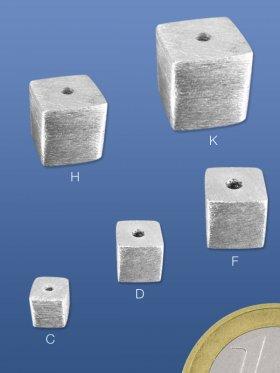 Würfel gebürstet, mittig gebohrt, 5 / 6 / 8 /10 / 12 mm - 5 mm (10 St.)